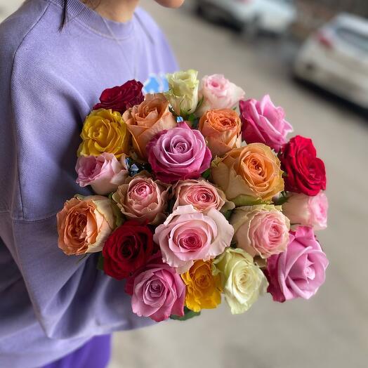 Монобукет из разноцветных роз