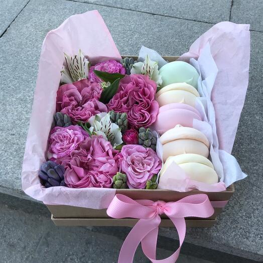 Крафт коробочка с цветами и зефирками