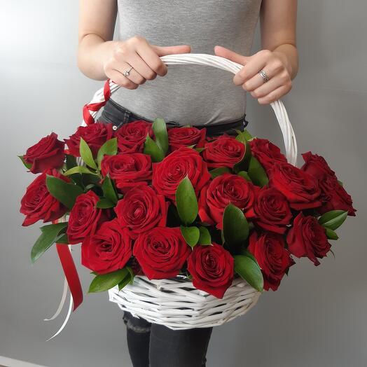 Корзина 33 розы