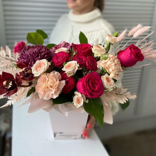 Цветы в коробке Малиновое счастье