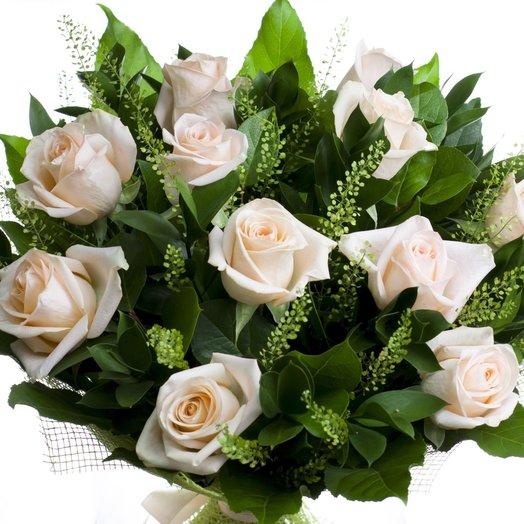 Классический букет с розами