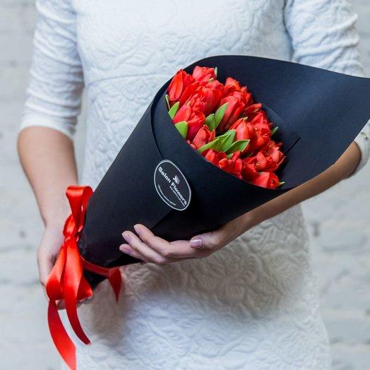 Выразительность (25 тюльпанов): букеты цветов на заказ Flowwow