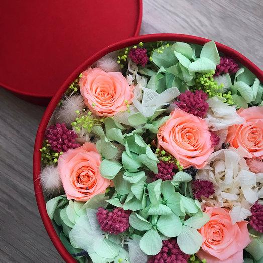 Цветочнач  коробочка Red : букеты цветов на заказ Flowwow