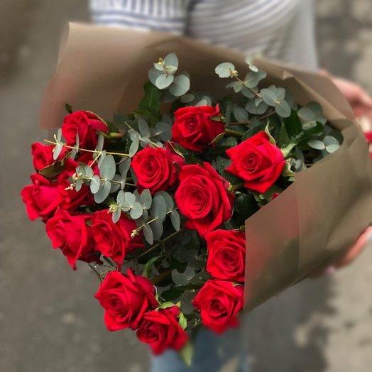 Современная классика красный: букеты цветов на заказ Flowwow