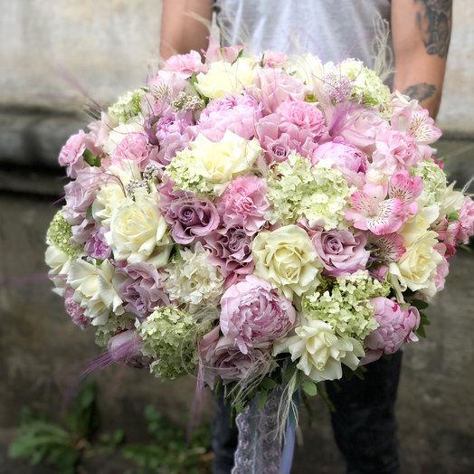 Зефир клубничный: букеты цветов на заказ Flowwow
