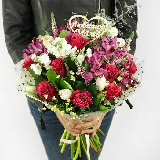БУКЕТ МАМЕ ИЗ РОЗ, ТЮЛЬПАНОВ И АЛЬСТРОМЕРИЙ: букеты цветов на заказ Flowwow