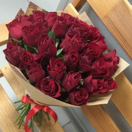 35 кенийских роз: букеты цветов на заказ Flowwow