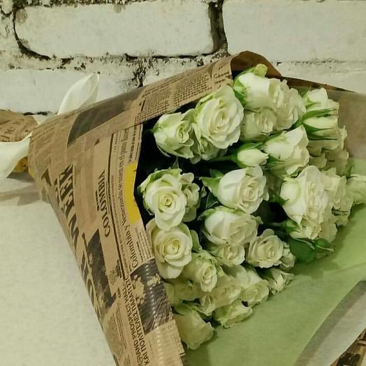 Букет из белых кустовых роз: букеты цветов на заказ Flowwow