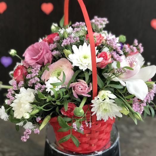Корзина Для любимой: букеты цветов на заказ Flowwow