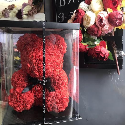 Медведь красный, подарочный: букеты цветов на заказ Flowwow