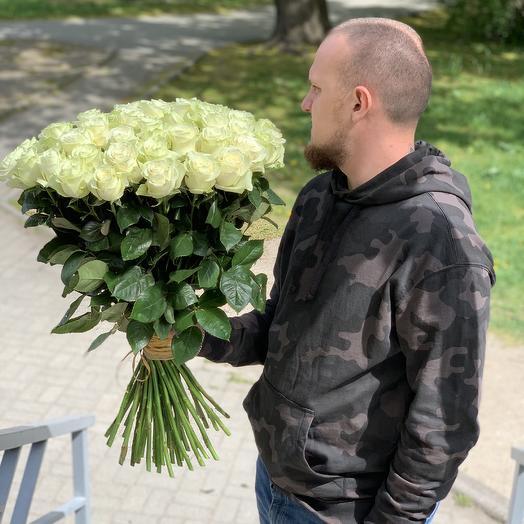 51 Белая Роза 70см: букеты цветов на заказ Flowwow