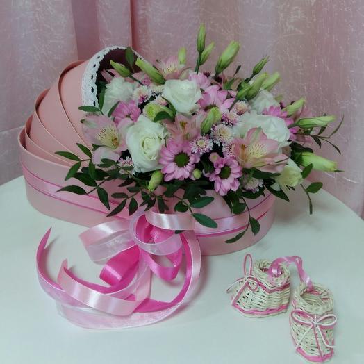 Люлька на выписку *С рождением девочки*: букеты цветов на заказ Flowwow