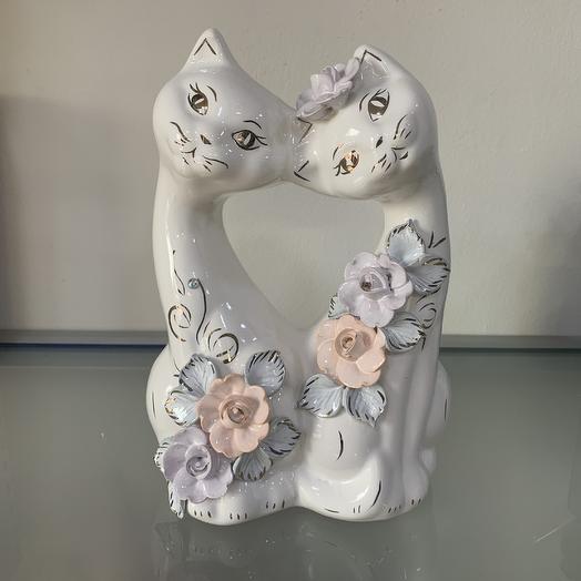 Копилка кошечки влюблённые: букеты цветов на заказ Flowwow