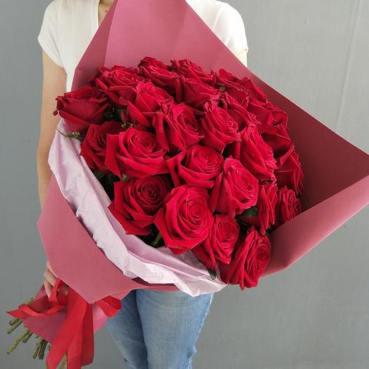 Букет из 31 ароматной красной розы: букеты цветов на заказ Flowwow