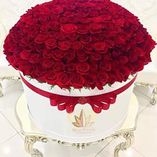 101 российская роза в коробке: букеты цветов на заказ Flowwow