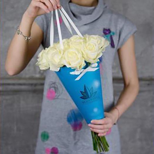 Голландская роза в конусе: букеты цветов на заказ Flowwow