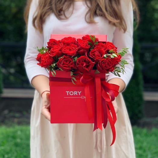 """Розы в коробке """"Мимолетная встреча"""": букеты цветов на заказ Flowwow"""