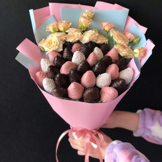 Клубничный букет «14 февраля»: букеты цветов на заказ Flowwow