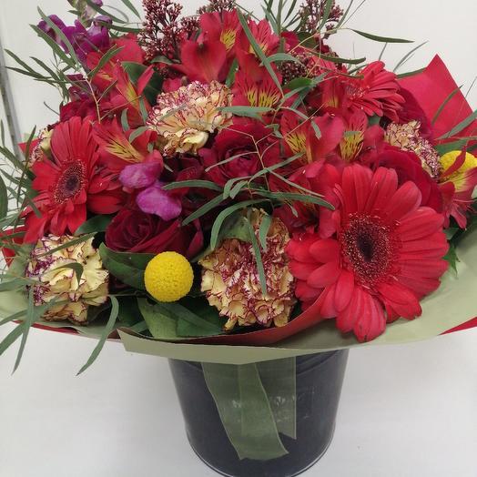 Ф Восторг: букеты цветов на заказ Flowwow