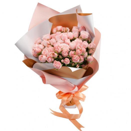 Букет-соло из 15 кустовой розы Мисс Бомбастик