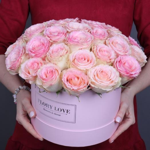 29 роз Эсперанс премиум в шляпной коробке