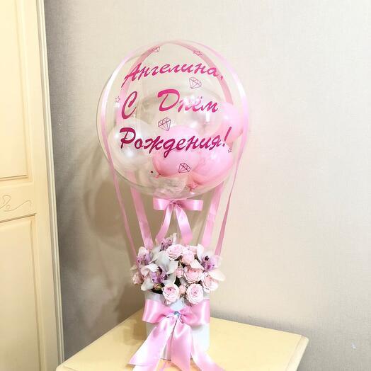 Шар баблс с цветами в коробке на день рождения
