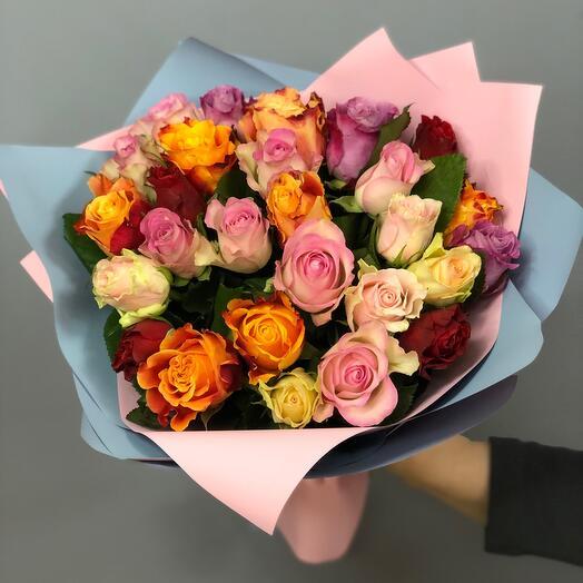 Букет из 27 роз микс с оформлением