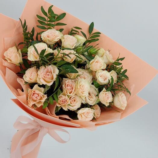 Персиковые кустовые розы
