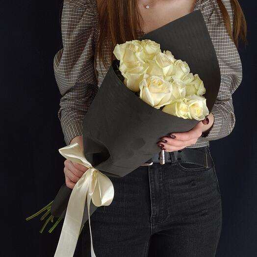 Черно-белая классика 💐 11 белых роз