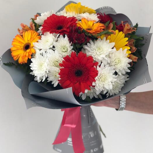 Bouquet with gerberas and chrysanthemum