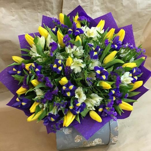 Букет из тюльпанов и ирисов: букеты цветов на заказ Flowwow