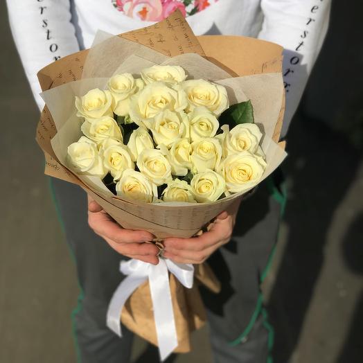 Розы. Букет из 19 белых роз. N7: букеты цветов на заказ Flowwow