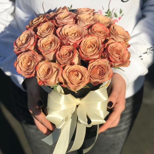 Коробки с цветами . Розы Каппучино 19 шт. N 274: букеты цветов на заказ Flowwow