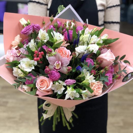 Сборный букет Персик: букеты цветов на заказ Flowwow
