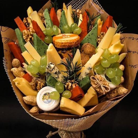 Букет «Сырное ассорти»: букеты цветов на заказ Flowwow