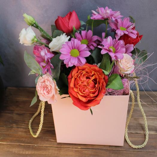Оригинальная цветочная сумочка
