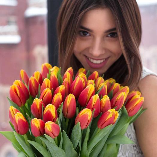 Букет огненных тюльпанов: букеты цветов на заказ Flowwow