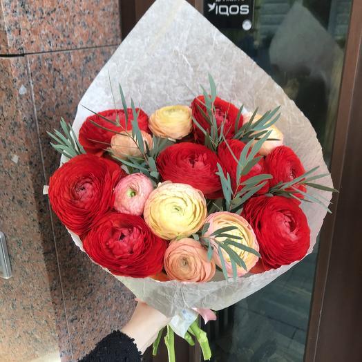 Огромные ранункулюсы по супер цене: букеты цветов на заказ Flowwow