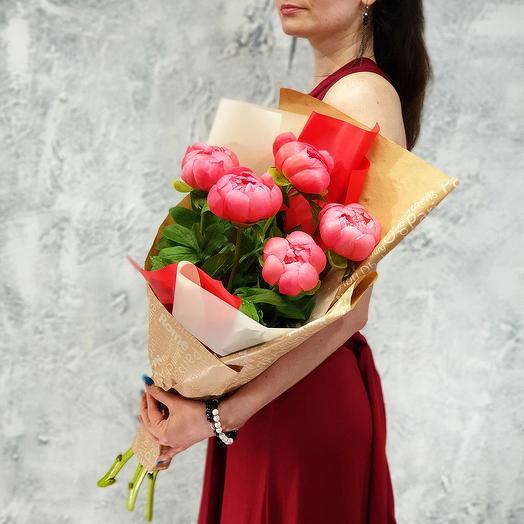 Букет из коралловых пионов: букеты цветов на заказ Flowwow