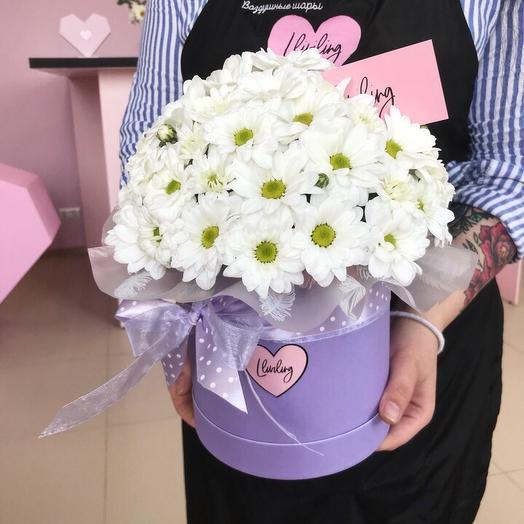 Шляпная коробочка с ромашкой: букеты цветов на заказ Flowwow
