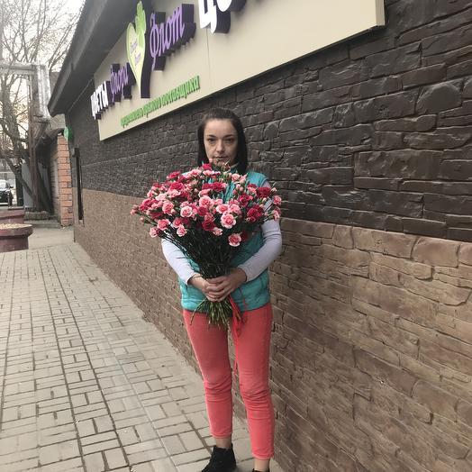 Фонтан из кустовых гвоздичек: букеты цветов на заказ Flowwow