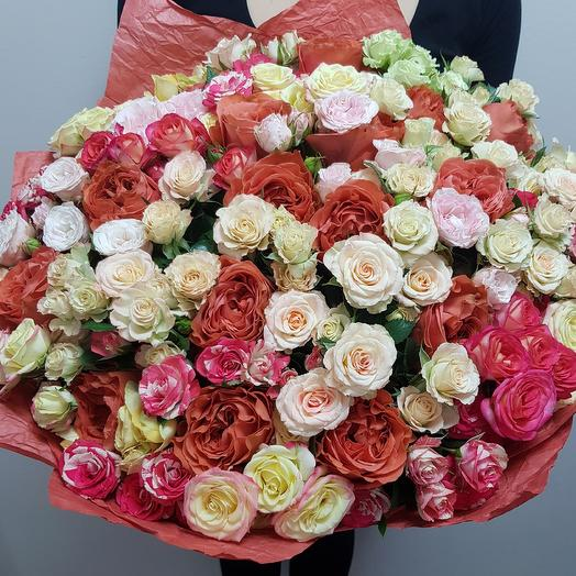 Огромный букет из кустовых роз микс: букеты цветов на заказ Flowwow