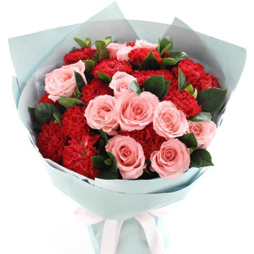 """Красивый букет цветов для девушки """"Непобедимый"""""""