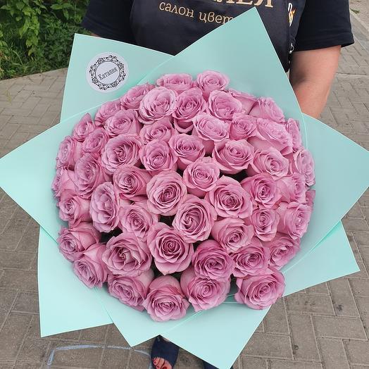 51 импортная роза в дизайнерской упаковке