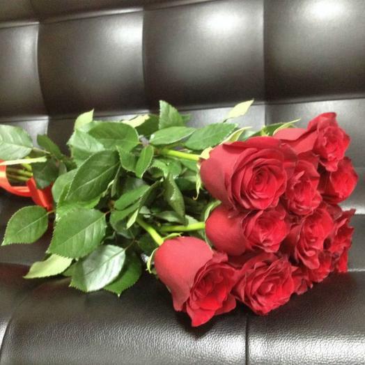 11 красных роз Эксплоер