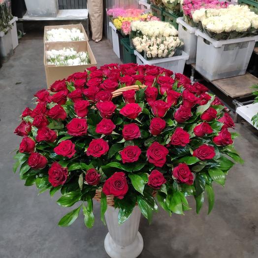 Корзина красный роза