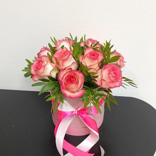 9 роз Джумилия в шляпной коробке