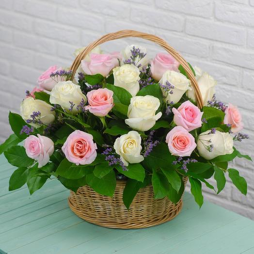 Корзина с 31 розой