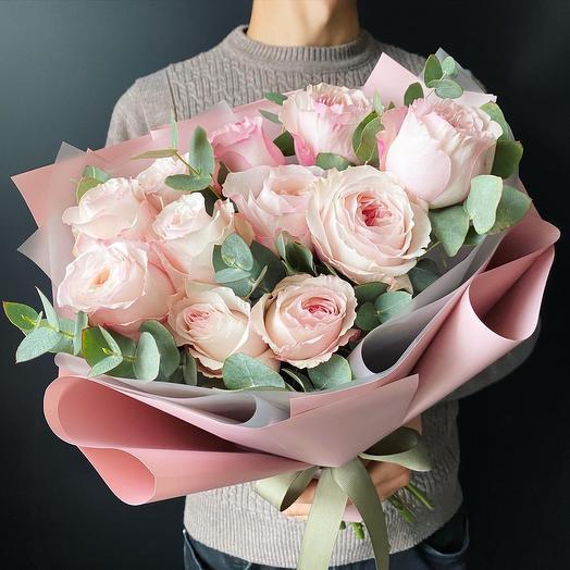 11 пионовилных Роза с эвкалиптом