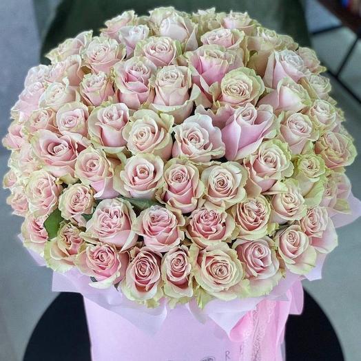101 роза Pink Mondial в коробке